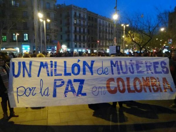 08/03/2016 Las mujeres de Barcelona marchan por la Paz en Colombia